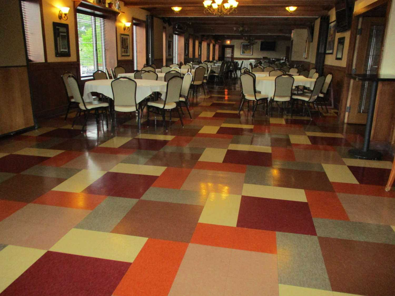 Floor in restaurant after Andy's restaurant cleaning services chicago
